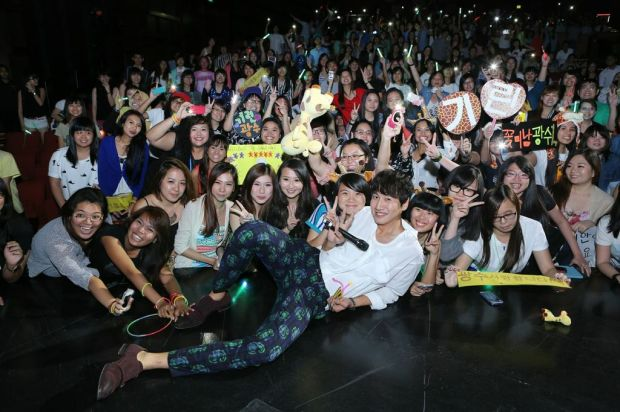 Pix with fans 3
