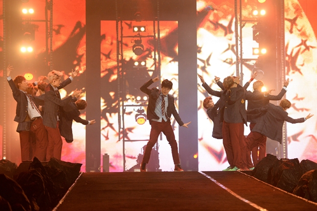 EXO-13-(Credit---MTV-Asia-&-Kristian-Dowling)-